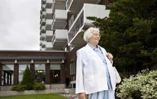 senior living in melbourne 6 benefits to senior living communities
